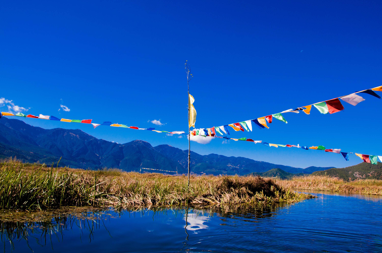 15000亩草海,是镶嵌在泸沽湖东面的翡翠.