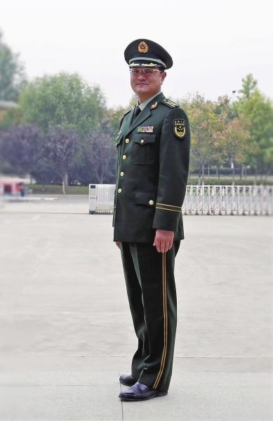 武警森林部队和警种学院人员停止使用武警部队制式服装和标志服饰.