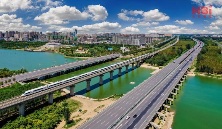 摄影刘群:高速高铁107三条经济线.jpg